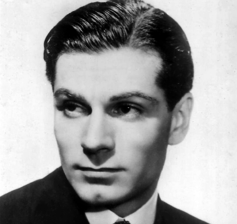 SIR EDWIN FLUFFER REMEMBERS LAURENCE OLIVIER