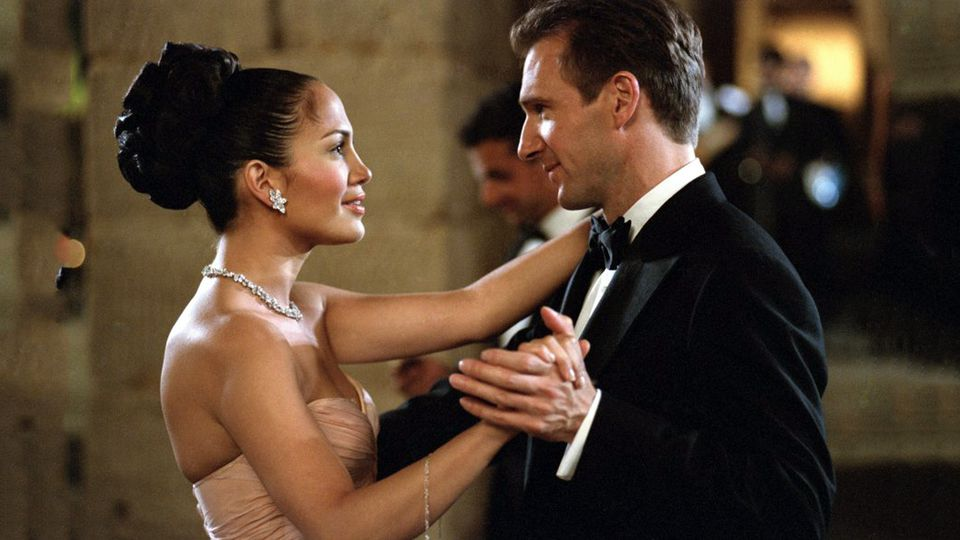 RALPH FIENNES: I ALMOST GAVE UP ACTING AFTER MAID IN MANHATTAN