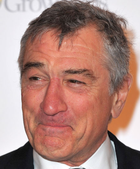 ROBERT DE NIRO TO START 'READING SCRIPTS AGAIN'