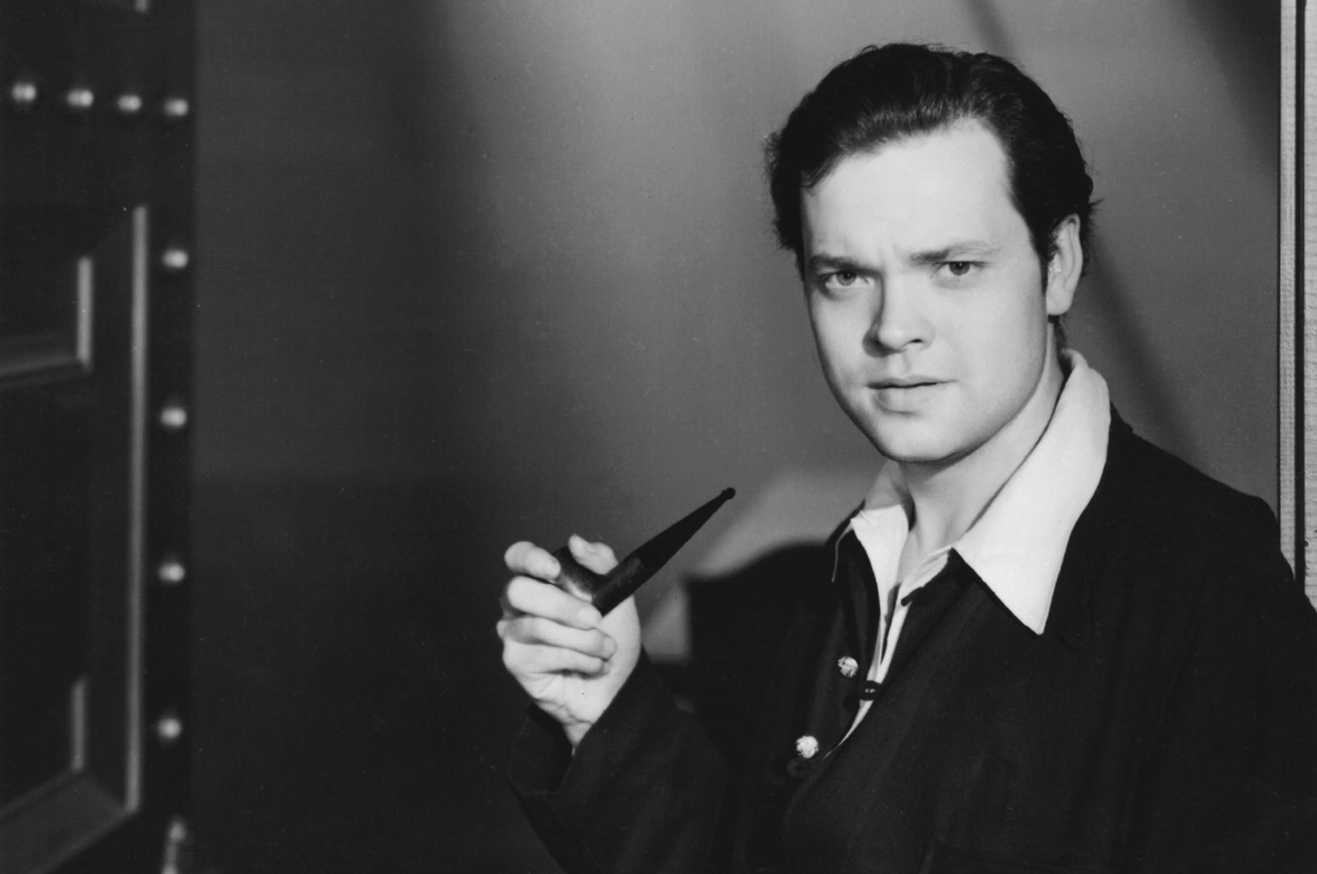 SIR EDWIN FLUFFER RECALLS ORSON WELLES