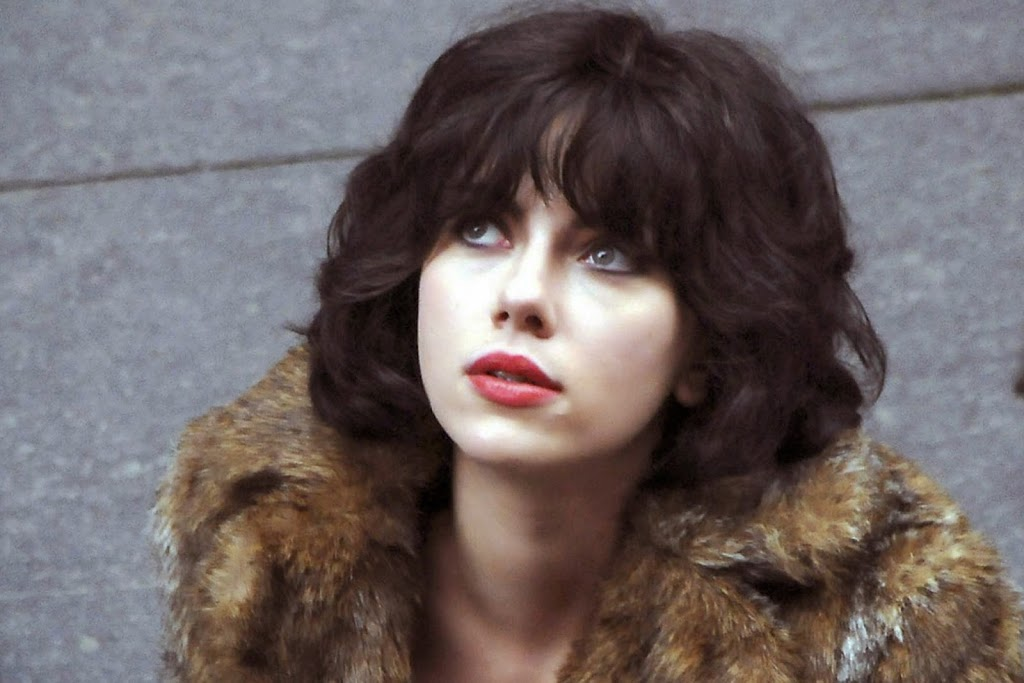 SCARLETT JOHANSSON TO STAR IN HOLLYWOOD REMAKE OF UNDER THE SKIN