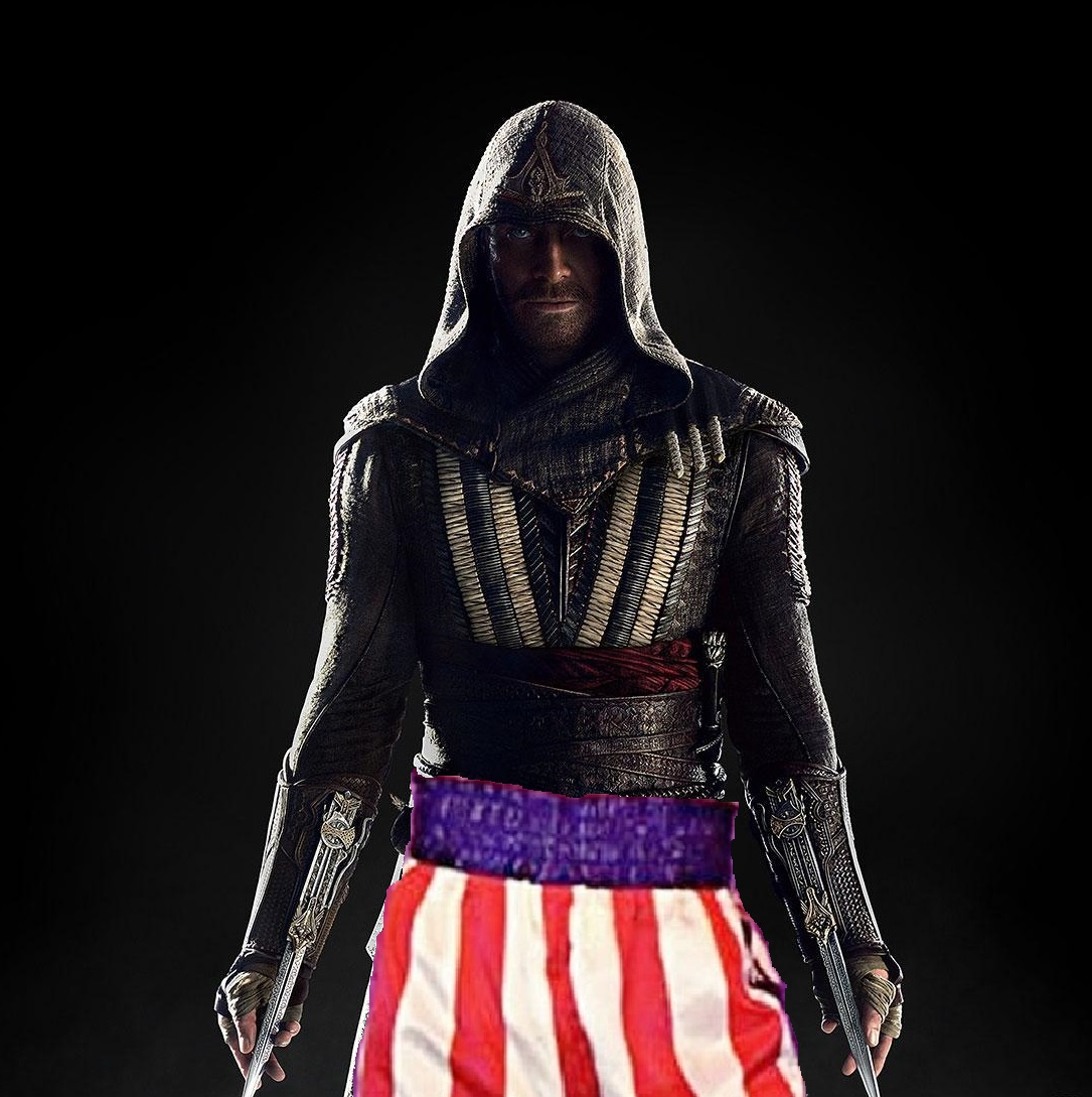 MICHAEL FASSBENDER'S ASSASSIN'S CREED PHOTO CAUSES ALARM