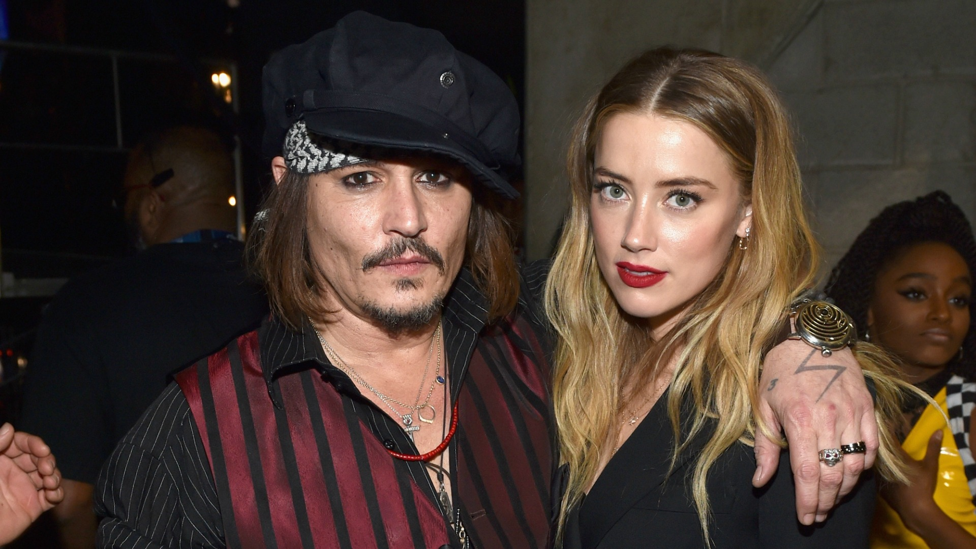 PEOPLE NOT ABUSED BY JOHNNY DEPP SAY THEY WEREN'T ABUSED BY JOHNNY DEPP