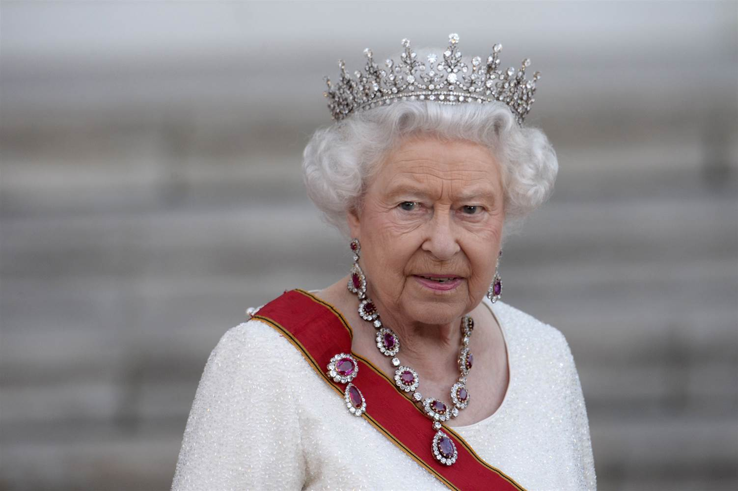QUEEN RESIGNS FOLLOWING BREXIT