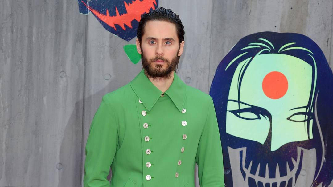JARED LETO WEARS A GREEN COAT