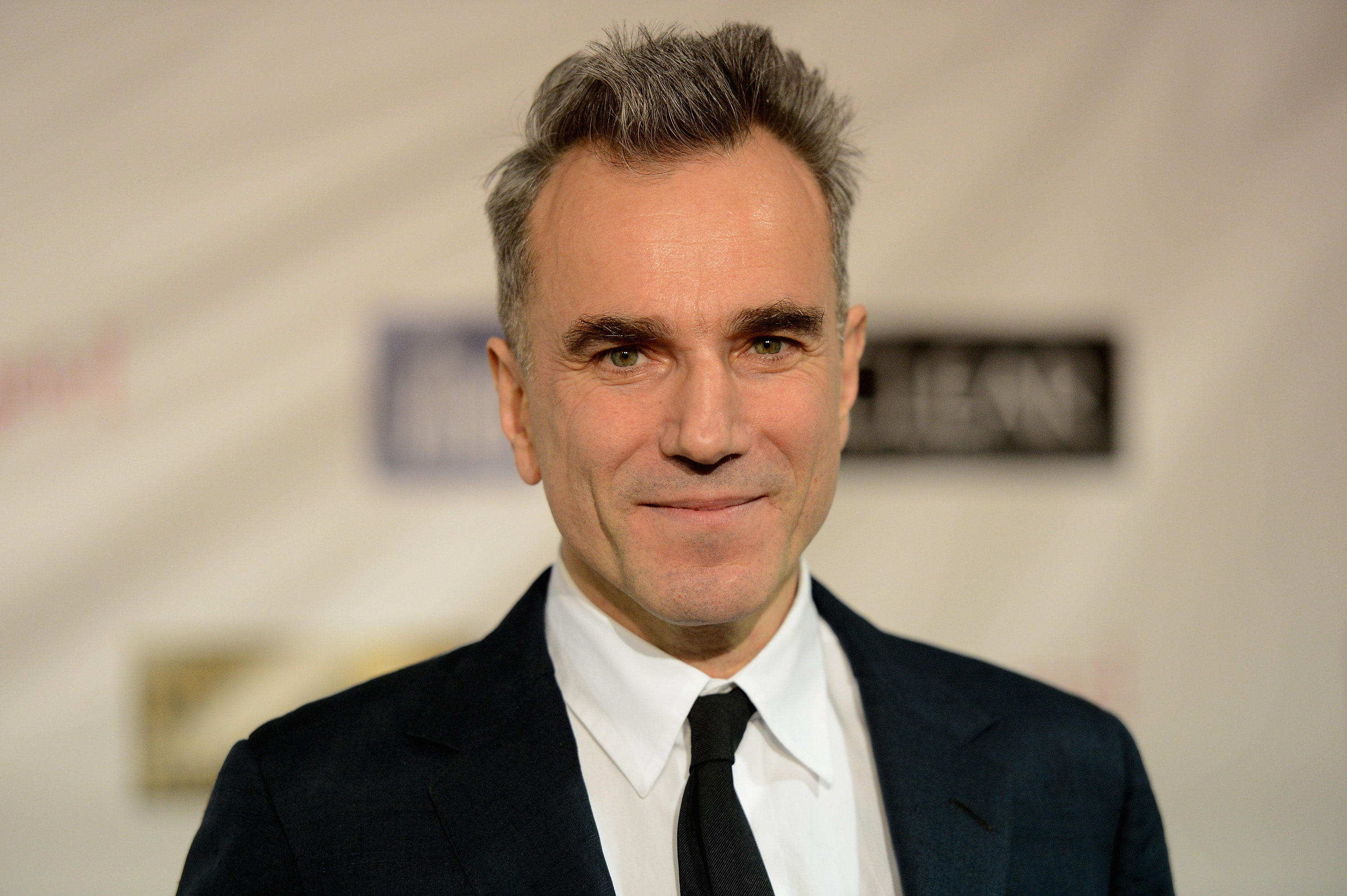 DANIEL DAY-LEWIS REVEALS THAT HE'S BEEN PLAYING 007 FOR THREE DECADES