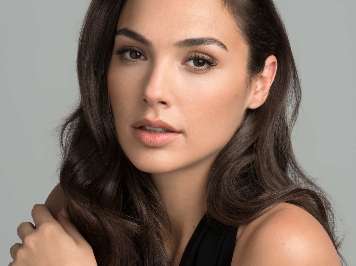 5 FACTS YOU NEVER KNEW ABOUT GAL GADOT