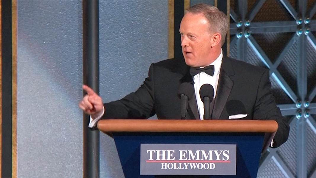SEAN SPICER TO HOST THE OSCARS
