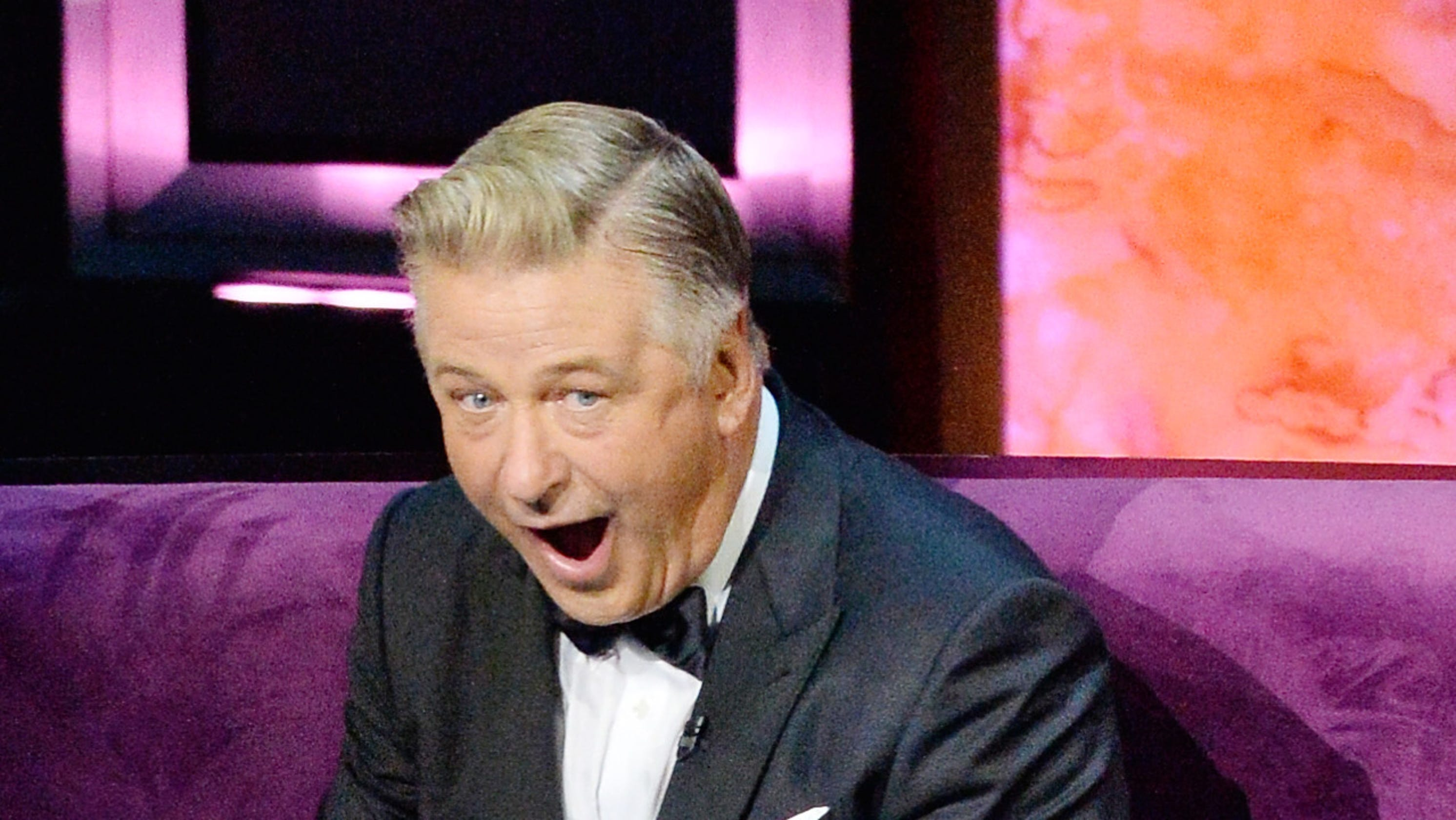 ALEC BALDWIN DIES IN FLAMES WHEN CELEBRITY ROAST MALFUNCTIONS